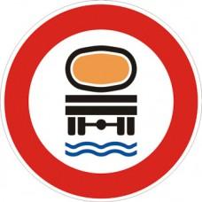Transito vietato ai veicoli che trasportano prodotti suscettibili di contaminare l'acqua