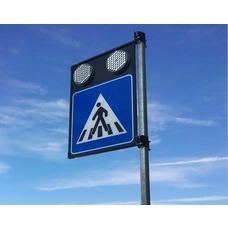 Segnale luminoso per passaggi pedonali con ottiche lampeggianti